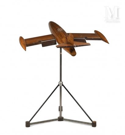Maquette Important and spectacular model of an airplane wind tunnel. Finely realized...
