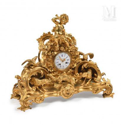 Auguste LECHESNE de Caen (1815 - 1888)  Pendule en bronze ciselé et doré, richement...