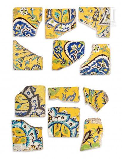 Douze carreaux persans