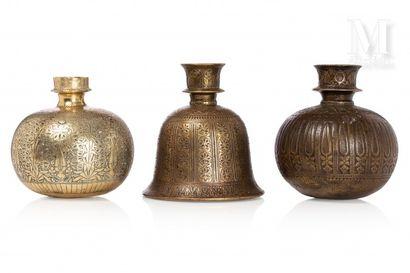 Trois hukka du Deccan
