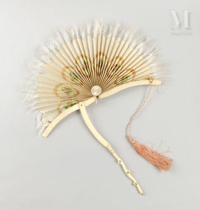 Ombrelle-éventail, vers 1860 Eventail transformable en écran ou ombrelle-parasol,...