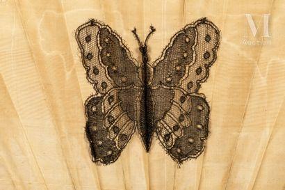 Papillons, papillons, vers 1880 Papillons, papillons, vers 1880  Éventail plié, la...