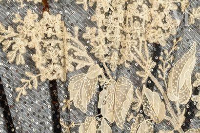 Lilas en fleurs, vers 1890-1900 Lilas en fleurs, vers 1890-1900  Grand éventail,...