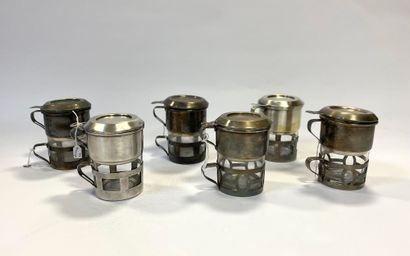 Ensemble de six cafetières en verre à montures...