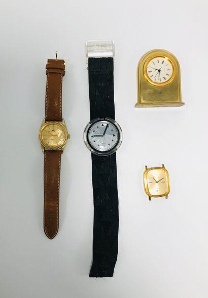 Ensemble de montres divers et variés dont