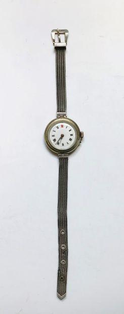 Petite montre bracelet en argent.