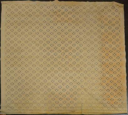 COGOLIN  Tapis à fond beige  440 x 370 cm...