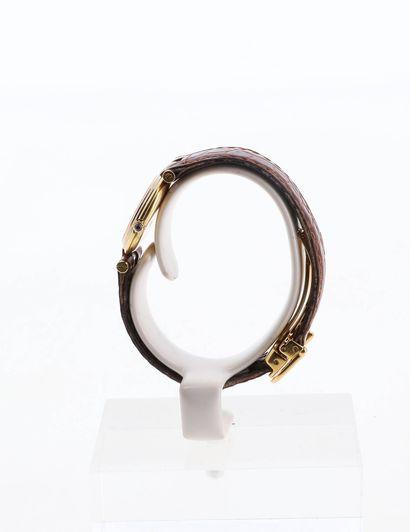 CARTIER Vendôme  Vers 1980  Boitier or 18 carats  Mouvement quartz  Bracelet cuir...