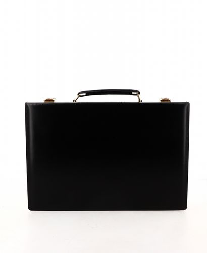 """HERMES Mallette de toilette """"Jet""""  en Box noir, garnitures métal plaqué or  35 x..."""