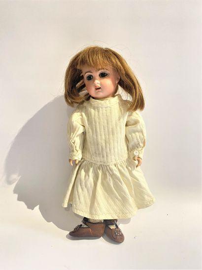Une petite poupée