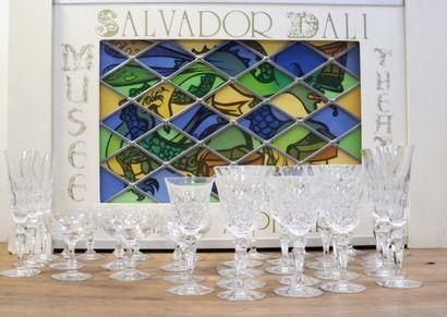 BACCARAT  Suite de 8 flûtes, 5 verres à vin...