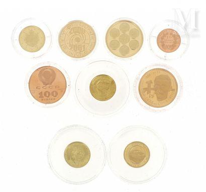 Neuf pièces et médailles diverses or