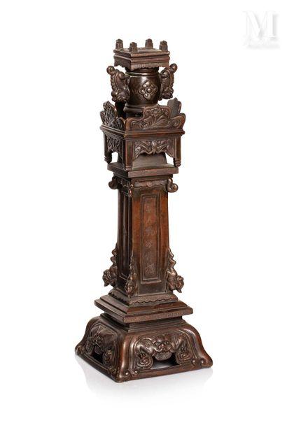 VIETNAM, XIXe siècle, Important élément de garniture en bronze