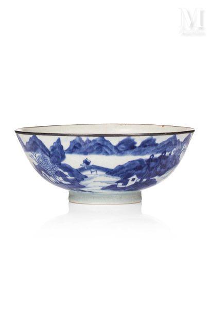 VIETNAM, XIXe siècle, Bol en porcelaine