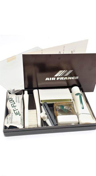 AIR FRANCE  Boîte rectangulaire en plastique...