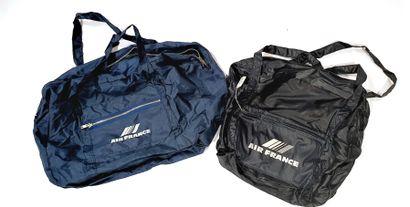 AIR FRANCE  Deux sacs imperméables bleus...