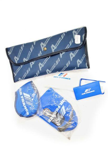 AIR FRANCE  Pochette en tissu bleu destinée...