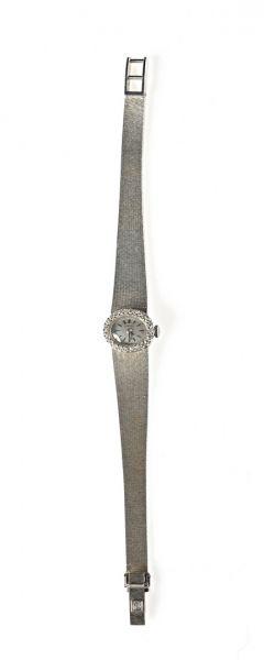 CERTINA. MONTRE bracelet de dame en or gris,...