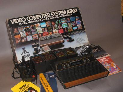 Console Atari 2600 en boite (version française...