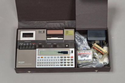 Sharp CE 125 Pocket computer relié à un enregistreur,...