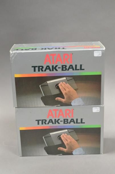 Atari Trak-Ball en boite neufs x2 exemplaires,...