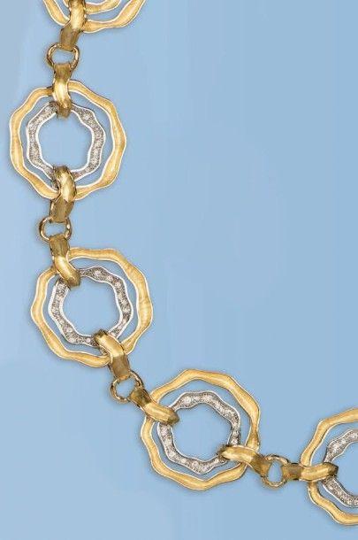 Magnifique collier souple en or jaune et...