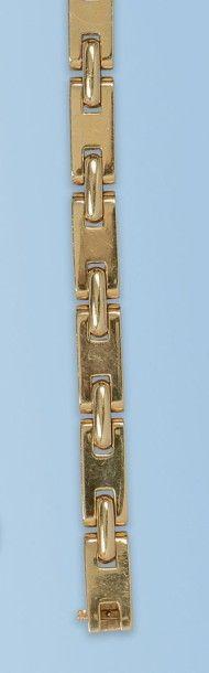 Bracelet souple en or jaune 18 k. Il est...