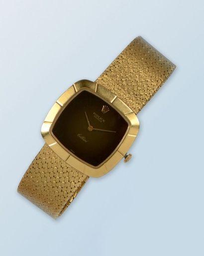 Bracelet montre en or jaune 18 k de marque...