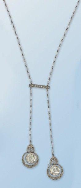 Pittoresque collier en platine 950 millièmes...