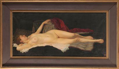 Fernand Maximilien de CHAMBORD (1840 -1899) Femme assoupie Toile 94 x 189 cm Signé...