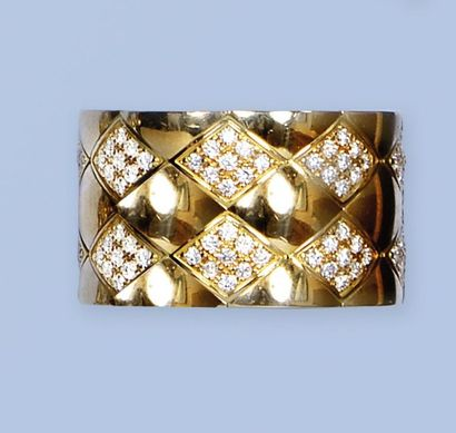 Belle bague en or jaune 18 K, 750 millièmes,...