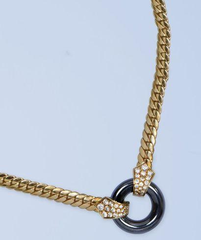 Ravissant collier en or jaune 18 K, 750 millièmes,...