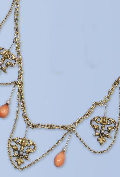 Pittoresque collier draperie en or jaune...