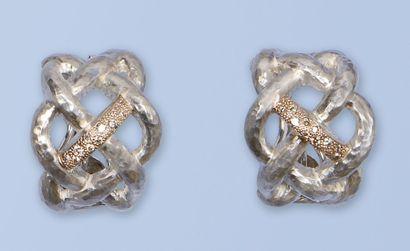 Paire de boucles d'oreille en argent 925...