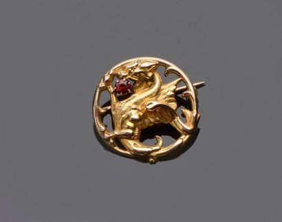 Broche circulaire en or jaune à décor de...