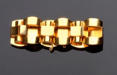 Bracelet en or jaune à mailles alternées...