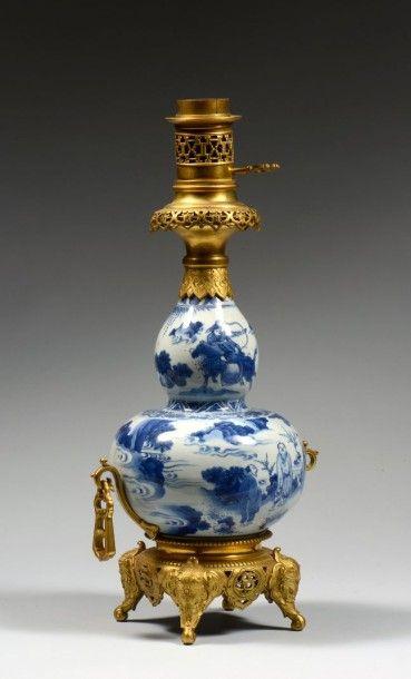 Vase double gourde en porcelaine bleu blanc,...