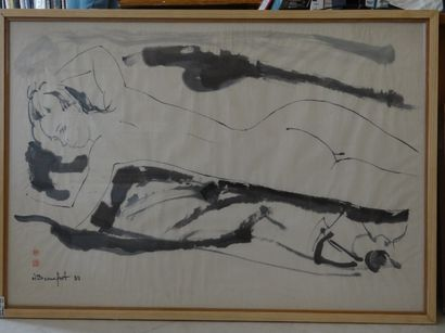 Alain BONNEFOIT (Paris 1937)  Nue allongée  Encre  101 x 70 cm à la vue  Signé et...