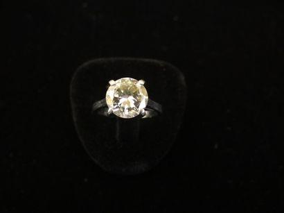 Solitaire diamant  Serti d'un diamant rond...
