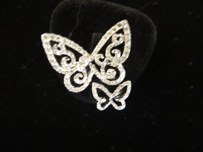 Bague papillons en diamants  Composées de...