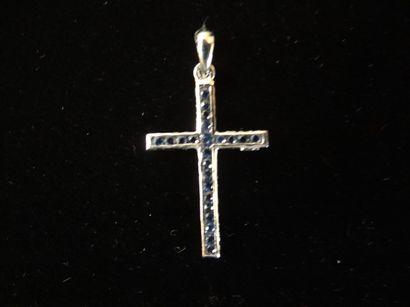Pendentif croix en saphirs et diamants  Sertie...