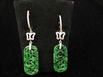 Paire de pendant d'oreilles jade et diamants...