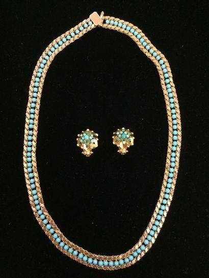 Parure turquoises Composé d'un collier orné...