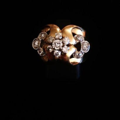 Bague en jaune 18 K (750°/°°) sertie de diamants...