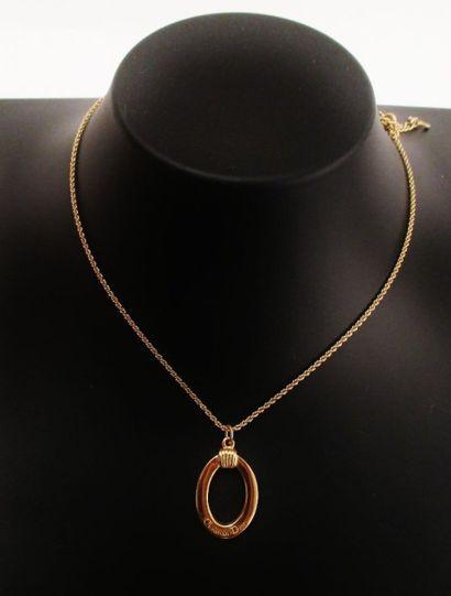 DIOR  Chaîne et pendentif en forme d'anneau...