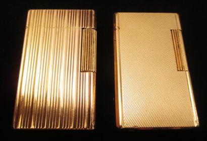 DUPONT  Deux briquets en plaqué or