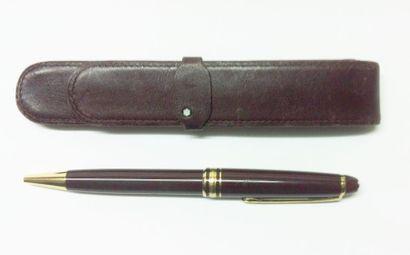 MONTBLANC  Un stylo