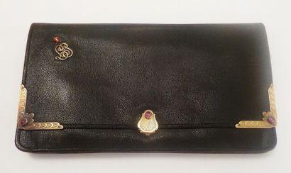 E. KELLER  Portefeuille en cuir noir à décor...