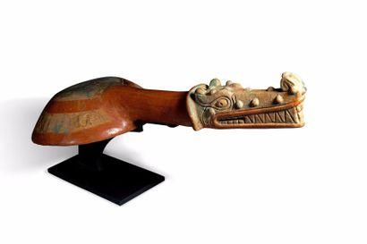 Encensoir au crocodile  Encensoir cérémoniel...