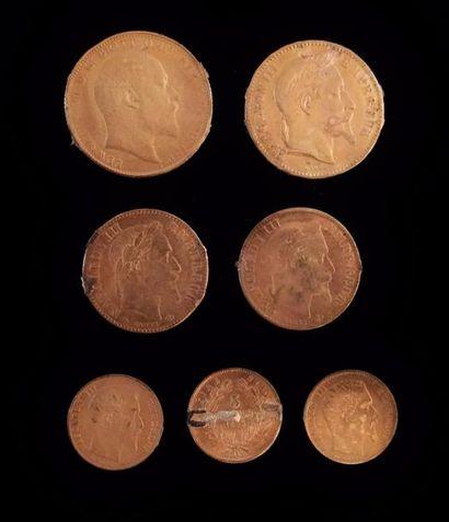 Ensemble de sept pièces de monnaie en or...